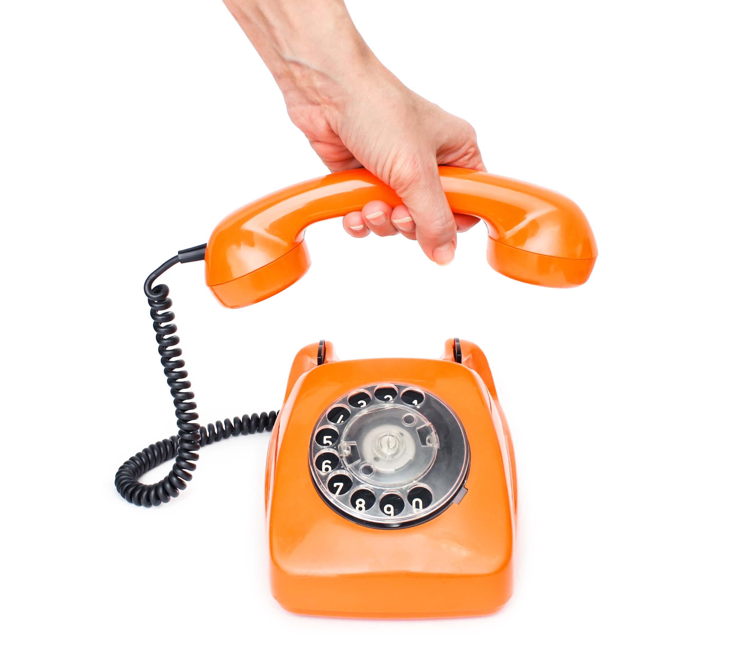 ein orangenes Telefon